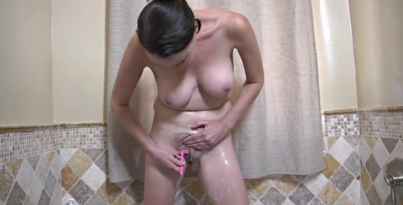 Порно Зрелая Бреет Киску