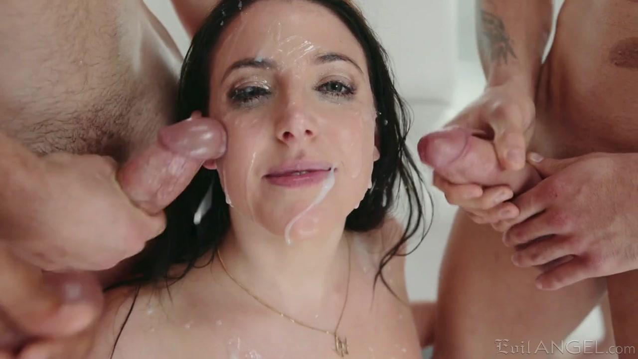 Сногсшибательный секс с похотливой дамочкой и сперма на сиськах и в ротике