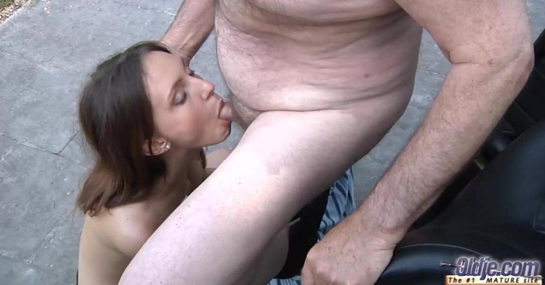 Смотреть Секс Старика С Молодой